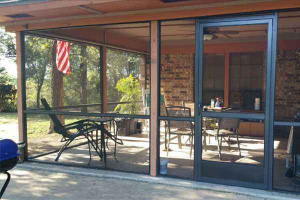 New Screened Enclosure – Homeowner Very Pleased!