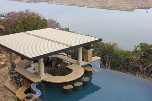 Infinity-Pool-Swim-Up-Bar